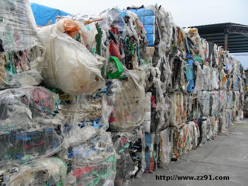 汨罗废塑料集散地