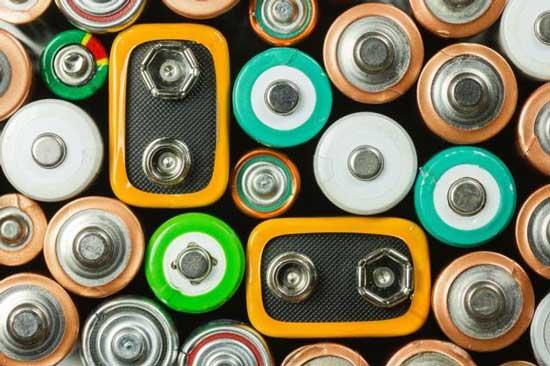 近八成锂电池企业净利润增长 车企压价今年或好景不再